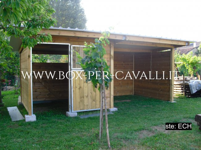 Box per lo specialista dei box in legno per for Box per cavalli usati in vendita